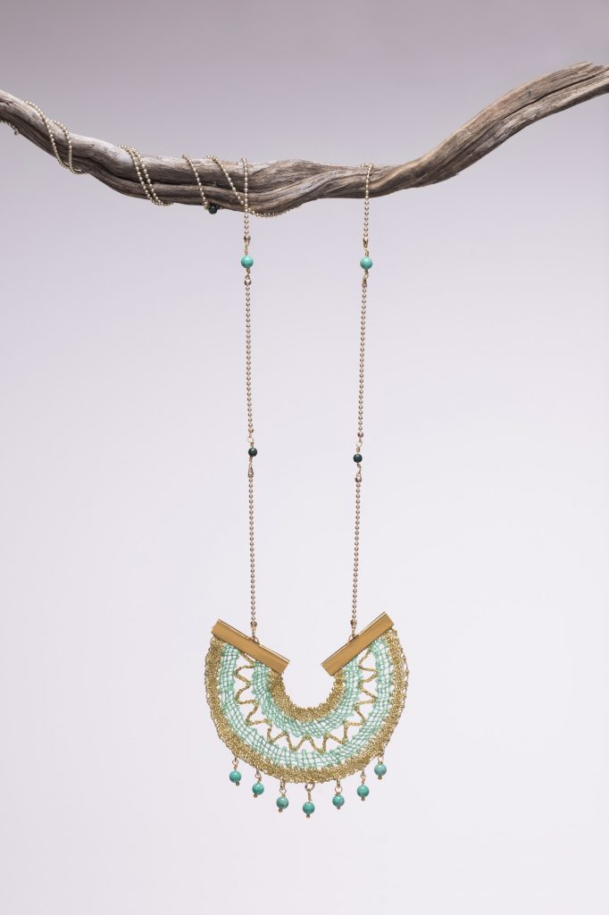 Aqua marine arch necklace