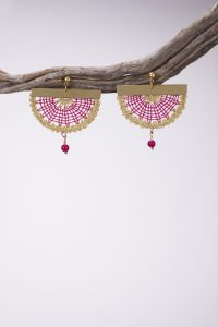 Dazzle magenta earrings